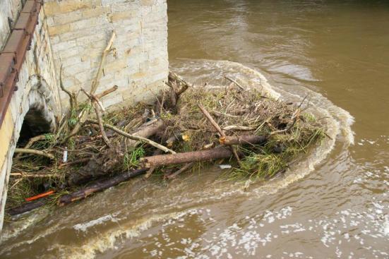 flood debris1